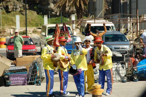 Street performers at the dock by Seal Island